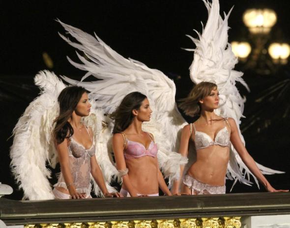 victoria-secret-angels-paris